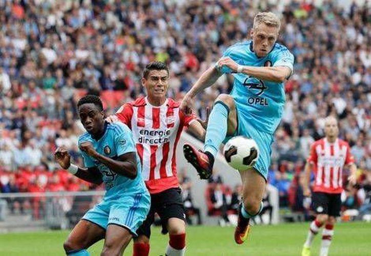 El equipo de Héctor Moreno conoció la derrota por primera vez en la temporada (Twitter: @PSV)