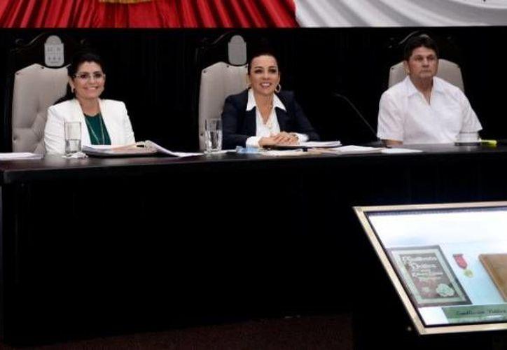 Diputados locales buscan reconocer la violencia política de género como una modalidad de violencia contra la mujer. (Cortesía/SIPSE)
