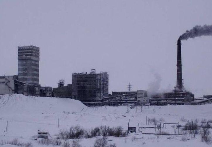 Al menos 241 trabajadores salieron a la superficie tras la explosión en la mina. (EFE/Foto de contexto de una mina en Vorkutá)