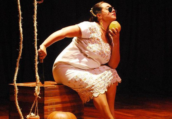 La obra Mestiza Power lleva más de 10 años de presentarse en el escenario, con la escritora y protagonista Conchi León. (Milenio Novedades)
