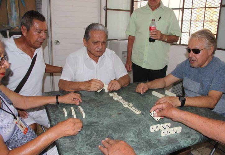 Integrantes del Club de los Años Dorados. (Luis Soto/SIPSE)