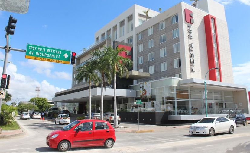 Representantes de hoteleros señalan que es el resultado de un gran esfuerzo por parte de los empresarios para atraer el turimo a la zona. (Ángel Castilla/SIPSE)