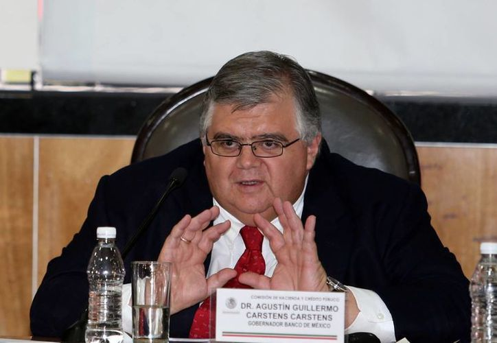 Agustín Carstens aseguró que el Banco de México requiere 'recursos extraordinarios'  para hacer frente a la demanda de billetes. (Notimex)