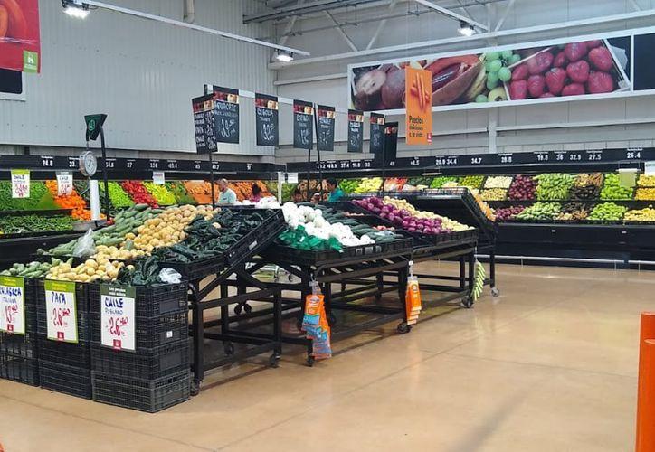 Las frutas y verduras incrementaron sus precios al cierre de agosto. (Daniel Tejada/SIPSE)