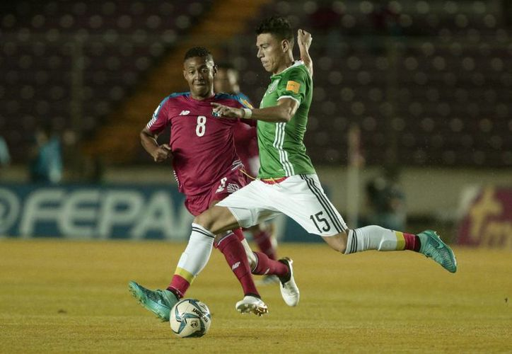 México tratará de imponerse en la difícil cancha de Panamá en partido del hexagonal final eliminatorio de Concacaf rumbo al Mundial de 2018. (AP)