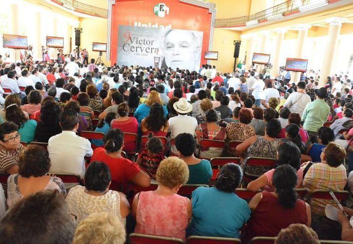 Aspecto del homenaje a Víctor Cervera Pacheco en la Casa del Pueblo. (Cortesía)