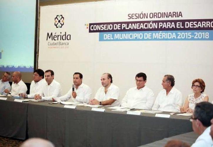 El presidente municipal encabezó la sesión del Consejo de Planeación para el Desarrollo Municipal. (Milenio Novedades)