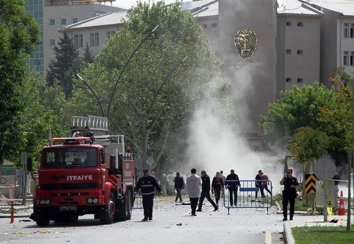 Una explosión en una comisaría turca dejó al menos un muerto y varios heridos. (AP)