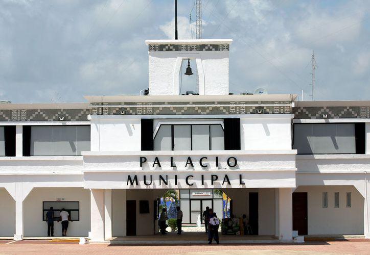 Exfuncionarios del gobierno de Mauricio Góngora serán investigados por no comprobar recursos que fueron presupuestados para obra pública en Solidaridad. (Adrián Barreto/SIPSE)