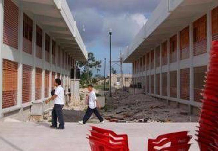 Los es estudiantes sobresalientes son del Cecyte Cancún III. (Archivo/SIPSE)