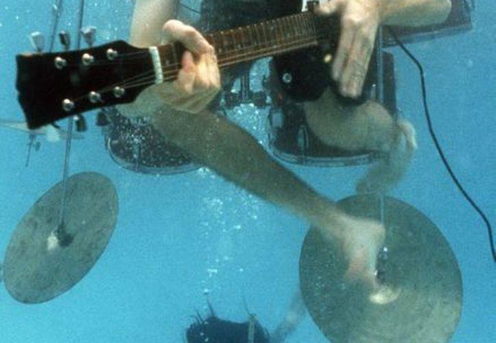 Fotografía del que fuera guitarrista y cantante de Nirvana, Kurt Cobain. (EFE/Archivo)