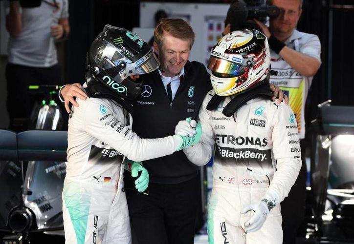 Hamilton y Rosberg hicieron el 1-2 para Mercedes en el GP de Australia. (Foto: Sutton Motorsport)