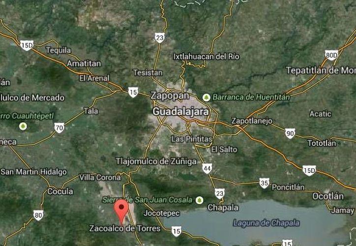 Los detenidos en Zacoalco viajaban con dos rifles de asalto y otras armas además de droga conocida como cristal. (Google Maps)