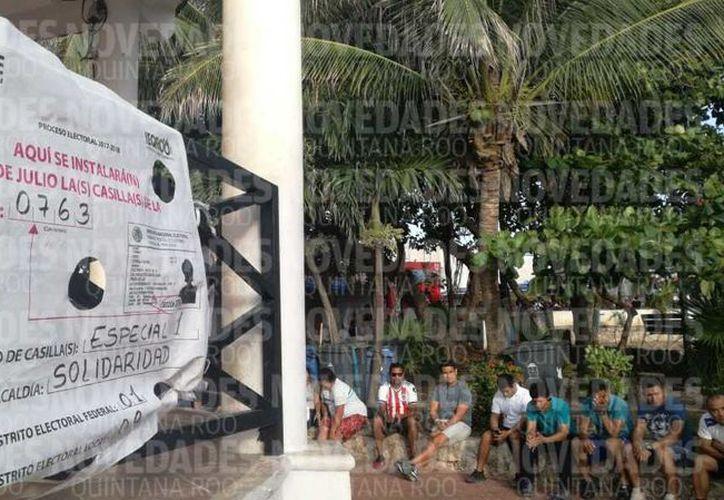 Más de 60 personas han arribado a la zona turística de Playa del Carmen. (Octavio Martínez/ SIPSE)