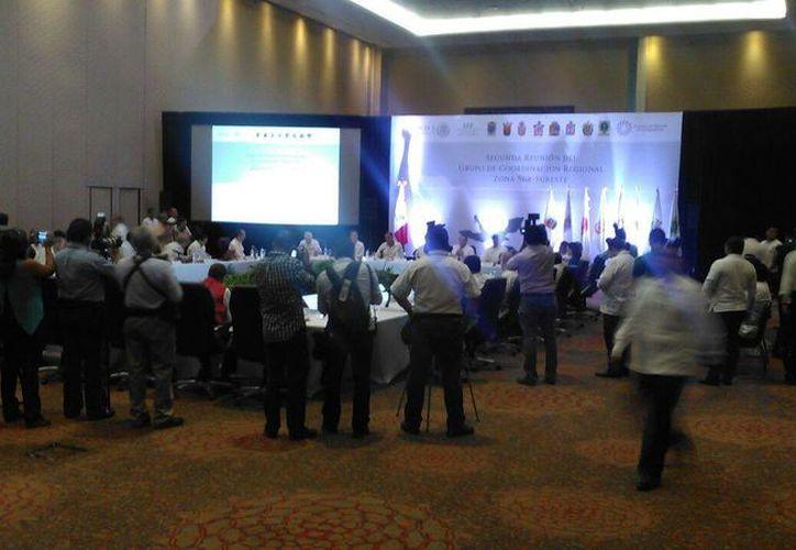 la Segunda Reunión de Coordinación Regional Sur-Sureste 2016 en Cancún, con la presencia del secretario de Educación Pública, Aurelio Nuño Mayer. (Pedro Olive/SIPSE)