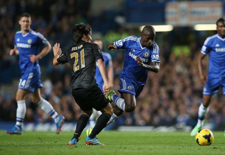 """Con el triunfo, los """"Blues"""" se meten en la parte alta de la tabla de la Premier League, en tanto que los City se quedan en séptimo lugar. (Agencias)"""