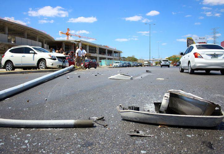 El conductor del vehículo accidentado terminó con severos golpes debido a que las bolsas de aire no respondieron. (A. Pallota/ SIPSE)