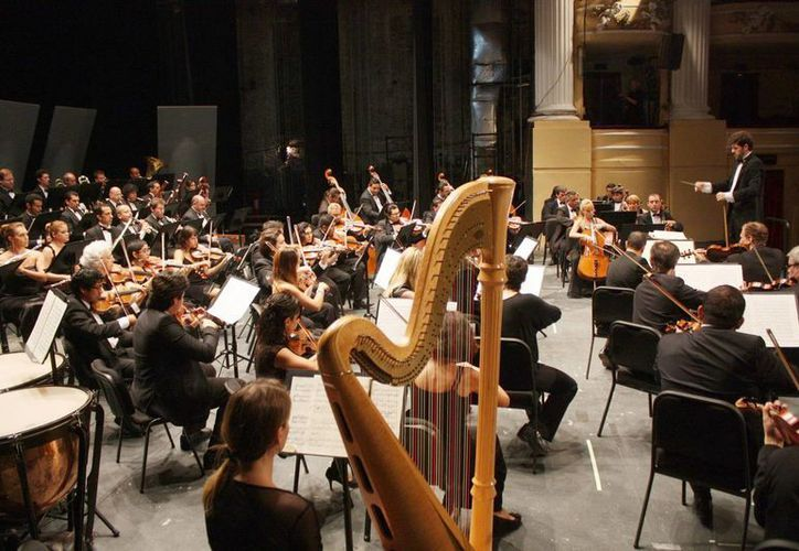 El talento musical de los integrantes de la OSY se amalgama bajo la dirección de Juan Carlos Lomónaco para ofrecer a los espectadores un evento de calidad. (Milenio Novedades)