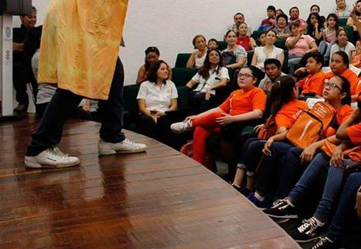 El CICY dio la bienvenida a los niños y jóvenes que formarán parte del programa Talento CICY 2016. (Cortesía)