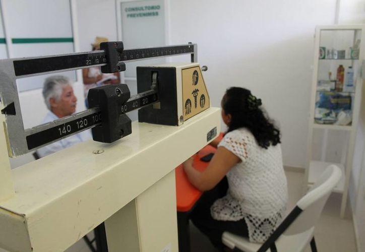 """Benefician a los estudiantes con el programa """"Síguele""""  del IMSS.  (Jesús Tijerina/SIPSE)"""
