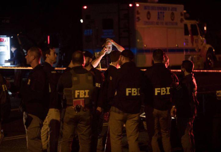 Las autoridades policiales han recomendado a la población que no abran ni manipulen correspondencia. (El confidencial)
