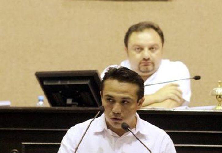 El diputado Rafael Chan Magaña, en su intervención en tribuna en el Congreso del Estado. (Milenio Novedades)