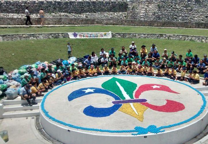 Fueron alrededor de 200 mil taparroscas las que reunieron como parte de este evento organizado por el Banco de Tapitas Bacalar y Chetumal. (Javier Ortiz/SIPSE)
