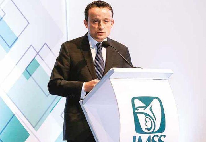El titular del IMSS detalló que para atender a los pacientes con los nuevos medicamentos, se creó un Modelo de Atención Integral. (Excelsior)