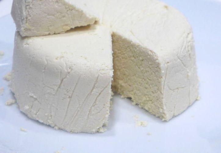 Estudiantes del ITS de Felipe Carrillo Puerto crearon un queso vegano hecho a base de frutas. (Contexto/Internet)