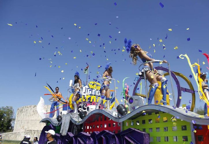 El retorno de Grupo Modelo al Carnaval de Mérida fue espectacular. (Christian Ayala/SIPSE)