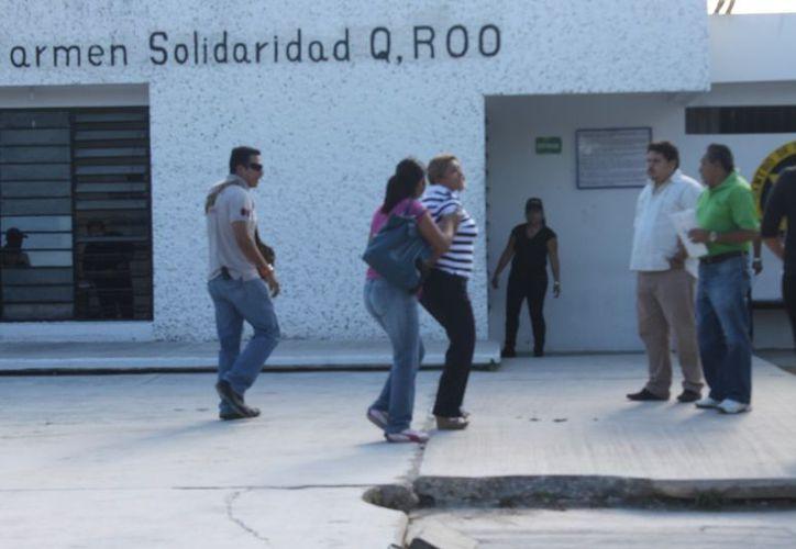 Al filo del mediodía de ayer elementos de la PJE dieron cumplimiento a una orden de aprehensión contra la ex alcaldesa Edith Mendoza Pino. (Redacción/SIPSE)