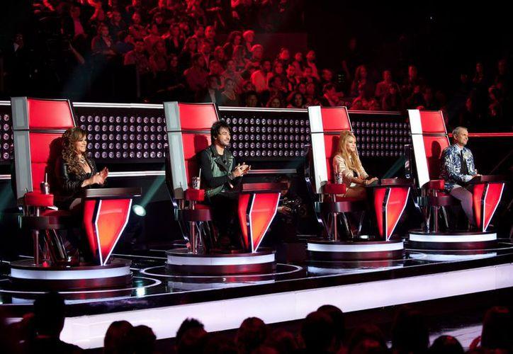 Jenni Rivera participaba como 'coach' en la emisión dominical. (Notimex)