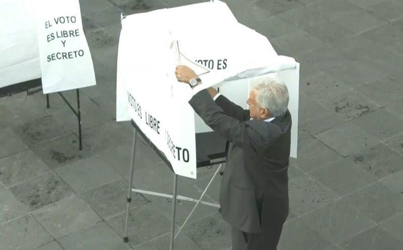 López Obrador confirmó que votó por la ex candidata presidencial en 1988, Rosario Ibarra de Piedra. (Facebook)