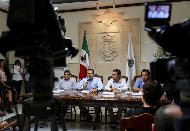 Rueda de prensa en el Palacio Municipal para informar de la nueva Temporada Artística Olimpo Cultural 2014. (Cortesía)