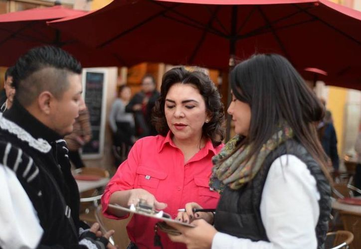 Ivonne Ortega llevó su iniciativa #FirmaPorTuBolsillo por todo el país. (www.facebook.com/IvonneOrtegaP)