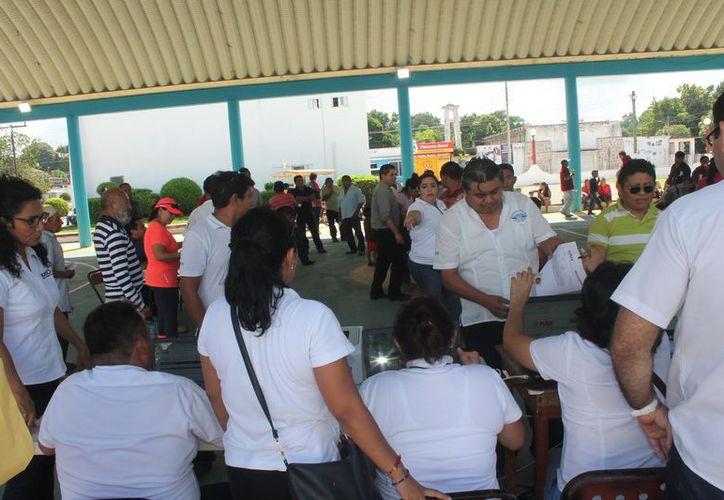 Las actividades se desarrollaron en las instalaciones del domo deportivo del parque principal. (Gloria Poot/SIPSE)