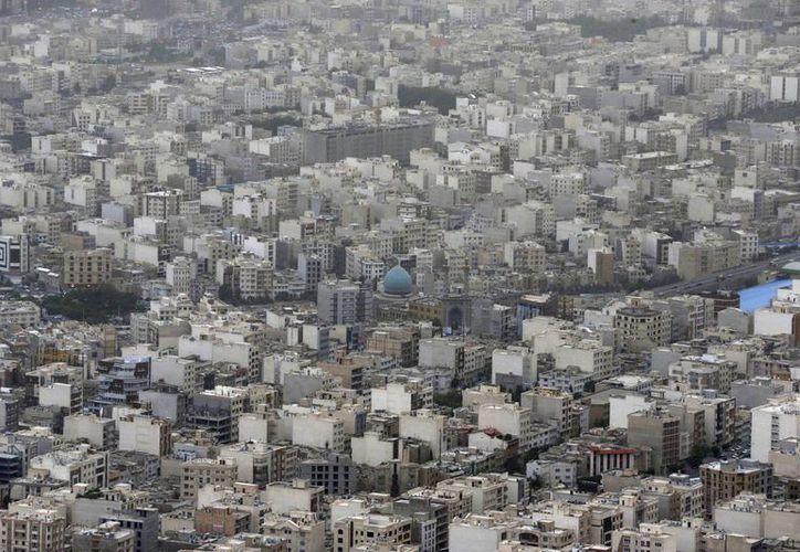 Vista general de Teherán, ciudad que estaba entre los objetivos de terroristas. (Agencias)
