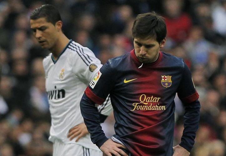 De nueva cuenta se enfrentan Cristiano Ronaldo y Messi... esta vez por el premio de la UEFA. (Agencias)