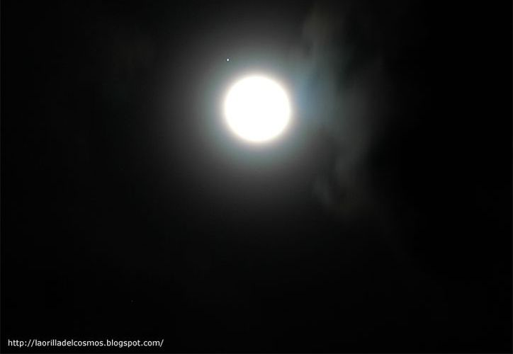 La conjunción de Júpiter y la Luna se podrá apreciar a simple vista hoy por la noche. (laorilladelcosmos.blogspot.com)