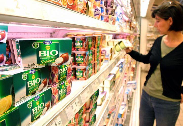 Los consumidores se muestran optimistas ante la situación económica. (Reuters)
