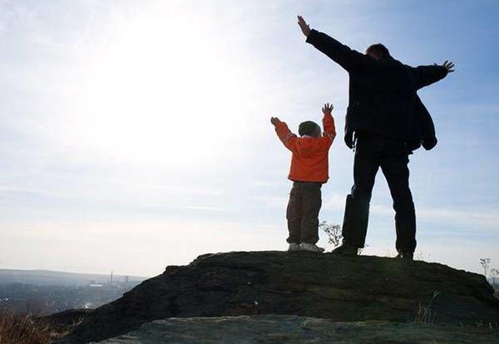 Educar a los hijos con una mentalidad de crecimiento, puede ser de gran ayuda para su éxito en el futuro. (soyentrepreneur.com)