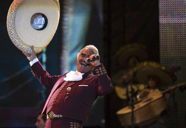 Vicente Fernández finalizará su carrera como cantante después de 50 años de éxitos.(AP)