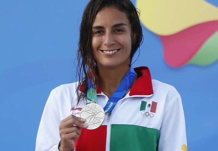 La clavadista mexicana, Paola Espinosa desea que Ana Guevara apoye a los deportistas. (Foto: mediotiempo.com)