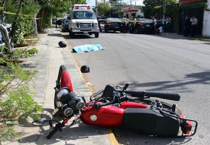 En el caso de los motociclistas la razón principal de muerte, es no portar un casco certificado DOT, SNELL, ECE. (SIPSE)