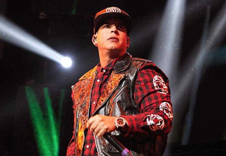 Este sábado 18 se entregarán los boletos gratuitos para el concierto que ofrecerá Daddy Yankee en Plaza Carnaval, en Mérida.  (Foto tomada de telemundo.com)