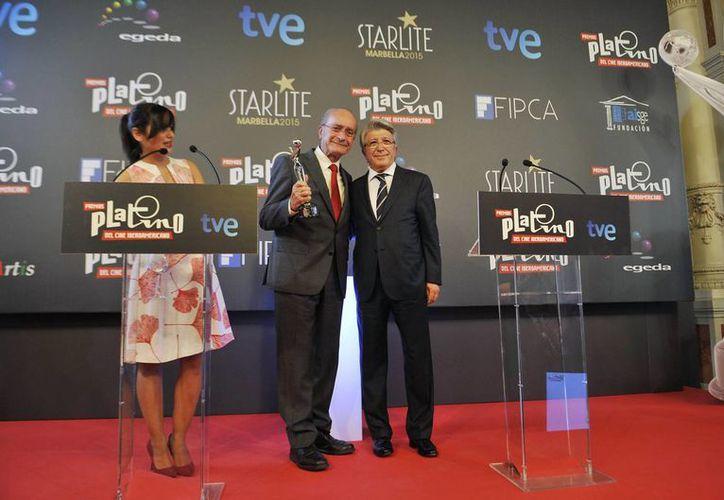 Las cintas 'Cantinflas' y 'La dictadura perfecta' lideran las nominaciones a la entrega número 11 de los Premios Canacine. En la imagen el director Luis Estrada durante la premiación de la II Edición del Cine Iberoamericano. (Archivo/Notimex)