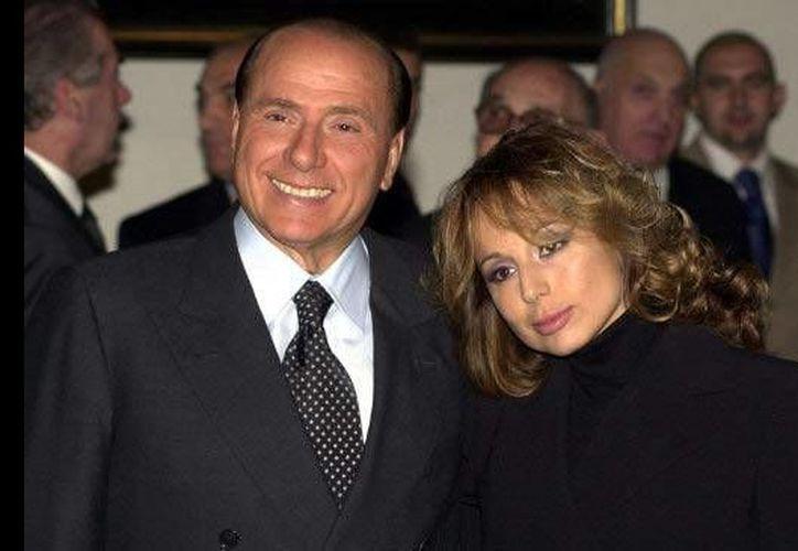 Silvio Berlusconi apuntaría a su hija Marina como su sucesora política en Italia. (Archivo/albumdeboda)