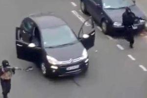 Día negro para la prensa en Francia