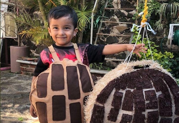 El pequeño decidió que el tema de su fiesta de cumpleaños fuera de pan, por que le gustan las conchas. (Foto: Twitter)