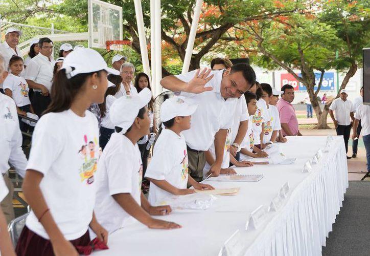 El Programa Bienestar en Vacaciones, que fue presentado este viernes por el gobernador Rolando Zapata, se realizará del 20 de julio al 8 de agosto. (Foto cortesía del Gobierno del Estado)